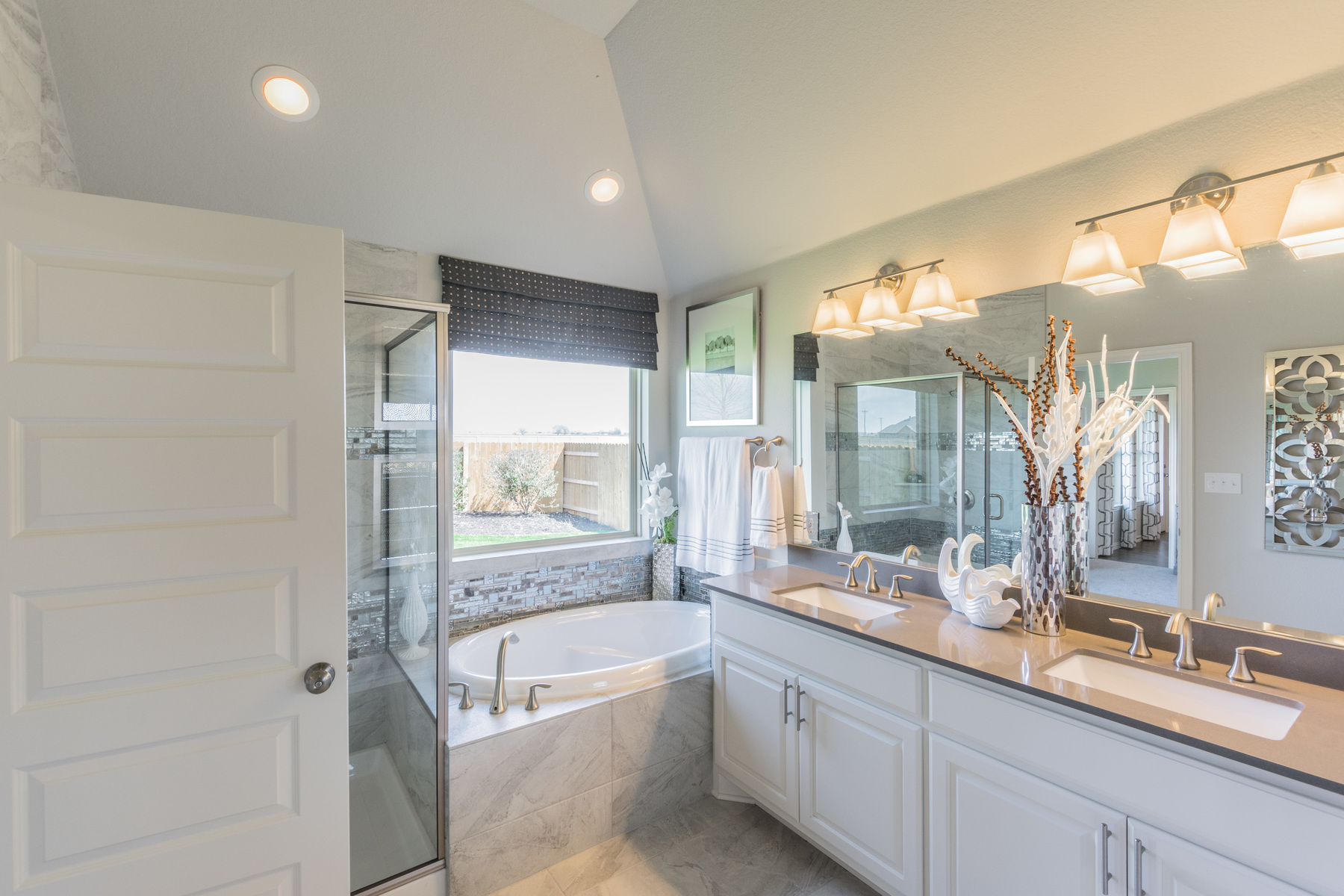 Paloma Lake Master Bathroom